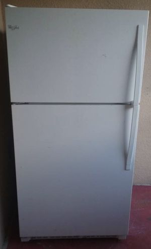 2015 White 21 Cubic Feet Refrigerator for Sale in Spring Hill, FL