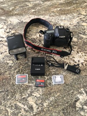 Canon EOS 7D camera, Speedlite 580 EX, & accessories for Sale in Arvada, CO