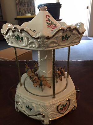 Santa and Sleight Musical Carousel for Sale in Lake View Terrace, CA