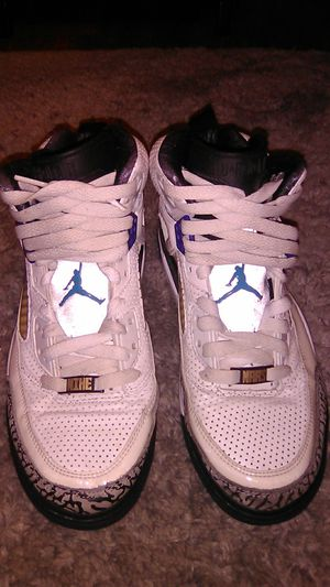 Jordan Mike Mars edition size 7.5. A tiny bit of cracking on the left shoe see pictures. for Sale in Renton, WA