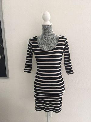 Small dress for Sale in Miami, FL