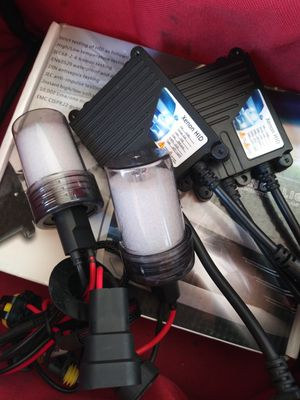 XENON HID lights kit MODEL H11 6K with WARRANTY. Easy plug and play Car XENON HID headlights set for Sale in La Puente, CA