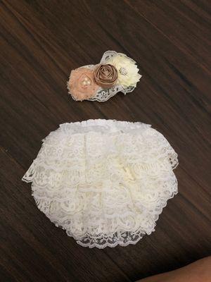 Newborn picture diaper cover and head band for Sale in Miami, FL