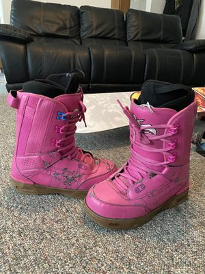 Vans Size 11 Snowboard Boots (PINK) for Sale in Kennewick, WA
