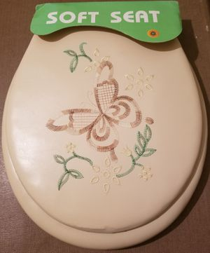 Soft padded butterfly design Toilet Seat for Sale in Three Rivers, MI