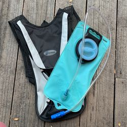 Speed Water Backpack/ Camelpack for Sale in Laguna Beach,  CA