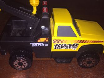 Used Tonka Toy Tow Truck for Sale in Aberdeen,  WA
