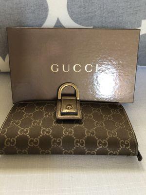 Authentic Gucci long wallet for Sale in Roanoke, TX
