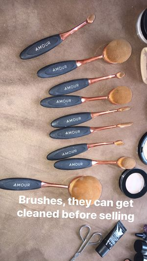 Makeup Brushes for Sale in Pontiac, MI