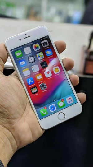 Iphone 6, Factory Unlocked..( Almost New Condition) for Sale in Springfield, VA
