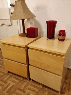 """Like new 2 night stand with big drawers in great condition, all drawers sliding smoothly, pet free smoke free. L15.5""""*W18.5""""*H21.5"""" for Sale in Annandale, VA"""