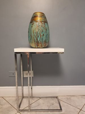 Modern side table for Sale in North Miami Beach, FL