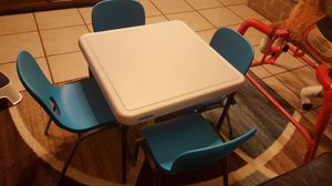 Kids table w chairs for Sale in Channelview, TX
