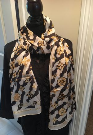 NWT authentic Louis Vuitton Escale silk scarf for Sale in Montvale, NJ