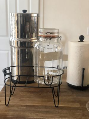 One glass beverage dispenser and stand for Sale in Aurora, CO