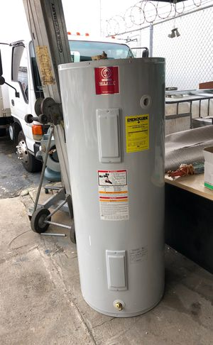 Water heater for Sale in Dania Beach, FL