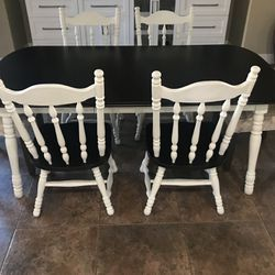 Table And 6 Chairs for Sale in Clovis,  CA