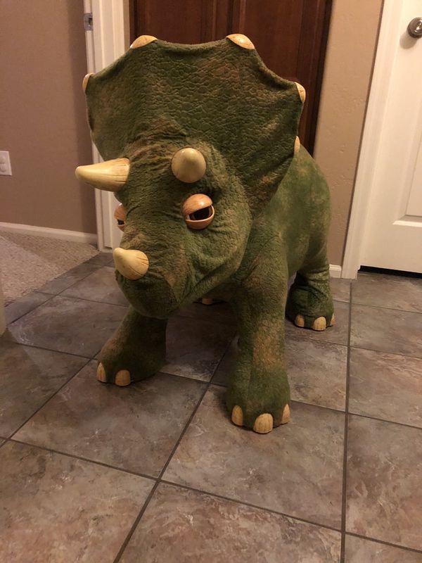 Play Dinosaur Play Skool
