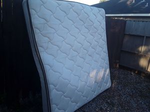 Clean king size mattress great condition asking 130 delivery or best for Sale in Houston, TX