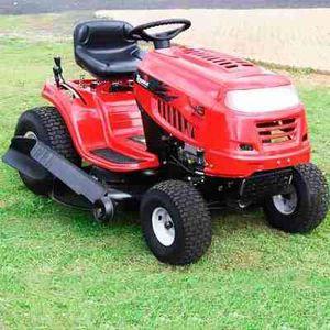 Grass cut starting $25 dollar 💵 corte de grama empieza en $25 for Sale in Manassas, VA