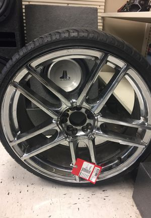 22 inch chrome five star rims for Sale in Fort Lauderdale, FL