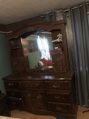 Dresser with mirror for Sale in Abbeville, GA