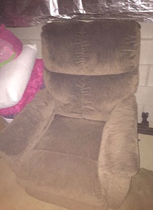 Lazy-boy chair for Sale in Columbus, OH