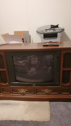 Free Zenith TV w/Remote for Sale in Mount Jackson, VA