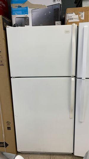 Whirlpool refrigerator for Sale in Dearborn, MI