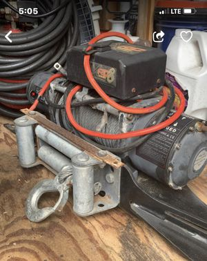 Smittybilt RC8 winch located in Los Osos, CA for Sale in Los Osos, CA