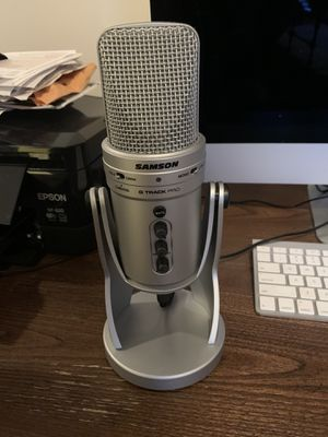 Samson G-Track Pro (Silver) with Pop Filter (Used Once, With Box) for Sale in Nashville, TN