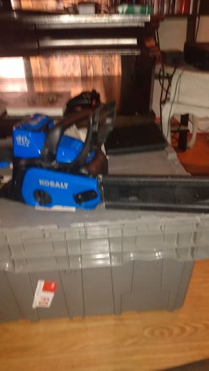 Lithium Ion battery chainsaw for Sale in Lillington, NC
