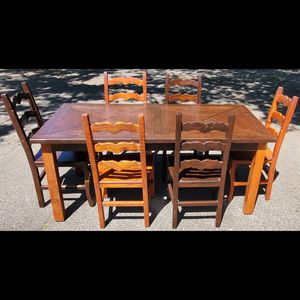 Broqn dinning table with chairs for Sale in Newhall, CA
