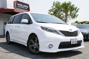 2017 Toyota Sienna for Sale in La Puente, CA
