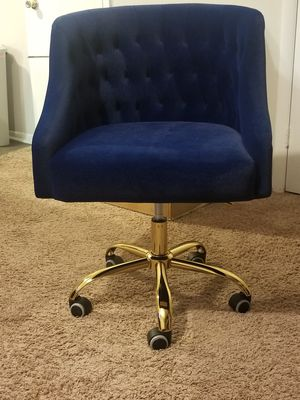 Beautiful Royal blue desk chair for Sale in Gastonia, NC