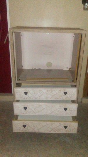 5' x 5' x 5' tv stand w/ 3 drawers for Sale in Orlando, FL