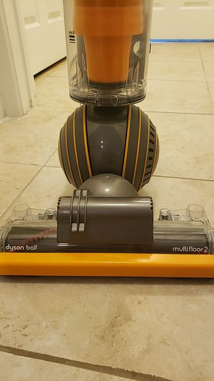 Dyson Ball Multi Floor 2 Upright Vacuum Cleaner for Sale in Lauderdale Lakes, FL