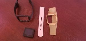 FitBit Versa for Sale in St. Louis, MO