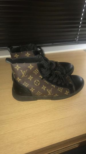 Louis Vuitton Monogram Sneakers for Sale in Dallas, TX