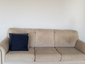 87 Inch Long Sofa With Queen Sleeper for Sale in Benicia,  CA