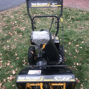"""MTD 5HP 22"""" Snowblower New Carb Serviced for Sale in West Hartford, CT"""