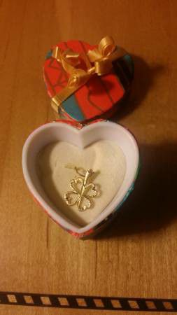 14K yellow gold 4 leaf clover charm / pendant (Includes gift box) for Sale in Danvers, MA