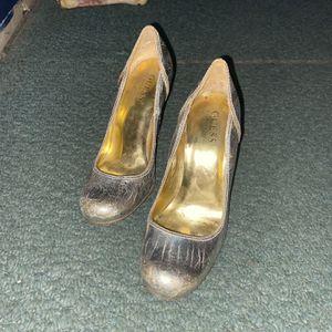 Guess High Heels Sz 5 for Sale in Glassboro, NJ