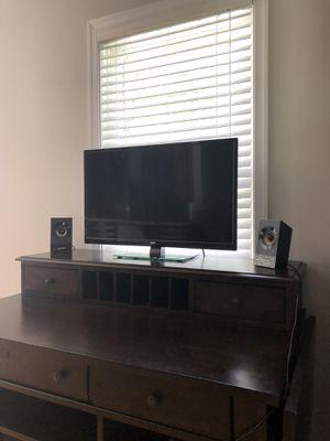 """Like new 32"""" RCA TV for Sale in Concord, VA"""
