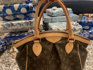 Louis Vuitton Hand bag for Sale in Brentwood, CA