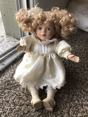 Antique Doll for Sale in Wesley Chapel, FL