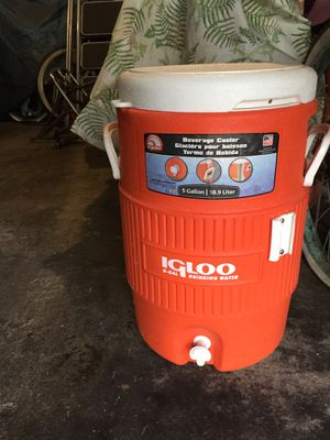 Igloo 5 gallon drink cooler for Sale in Santa Monica, CA