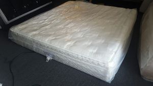 King Sleep Number 7000 pillowtop mattress set, excellent condition, pump works perfectly for Sale in Tempe, AZ