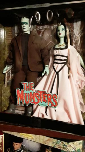 Munsters barbie rare perfect set for Sale in Las Vegas, NV