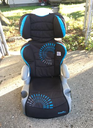 Car seat for kids for Sale in Dearborn, MI
